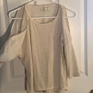 Abercrombie and Fitch open shoulder mid sleeve